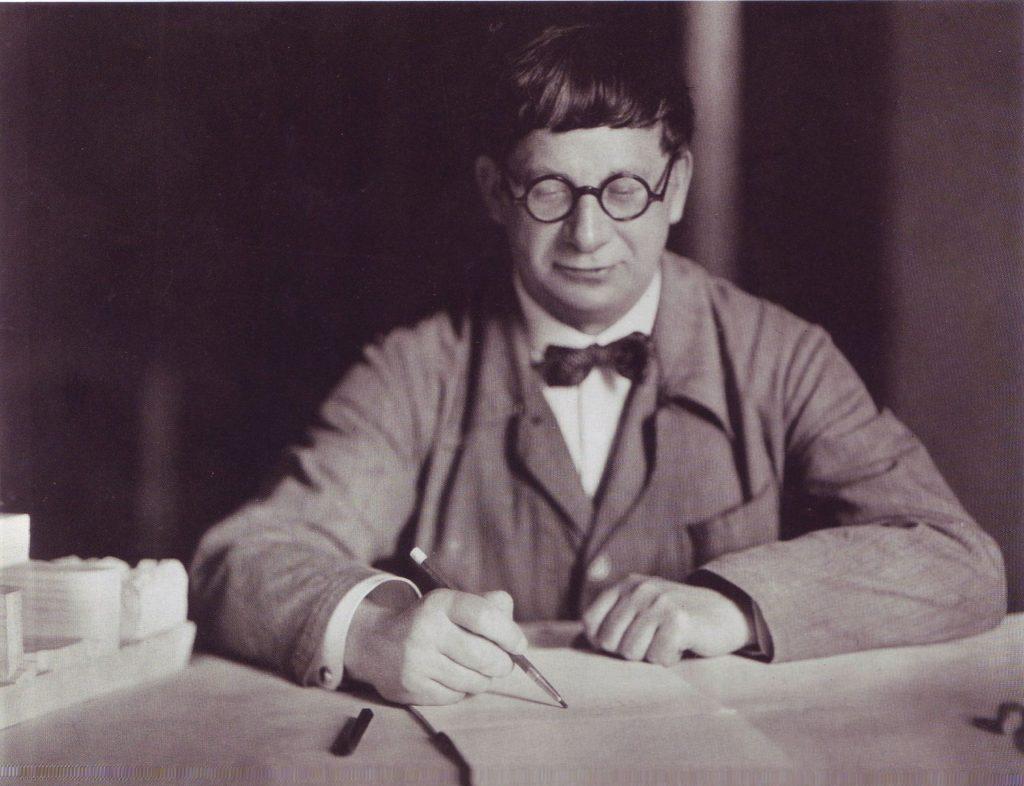 Hans Poelzig podczas pracy