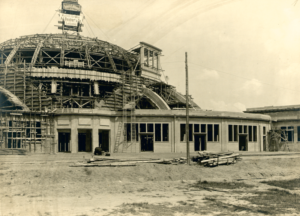 Zdjęcie budowy Hali Stulecia